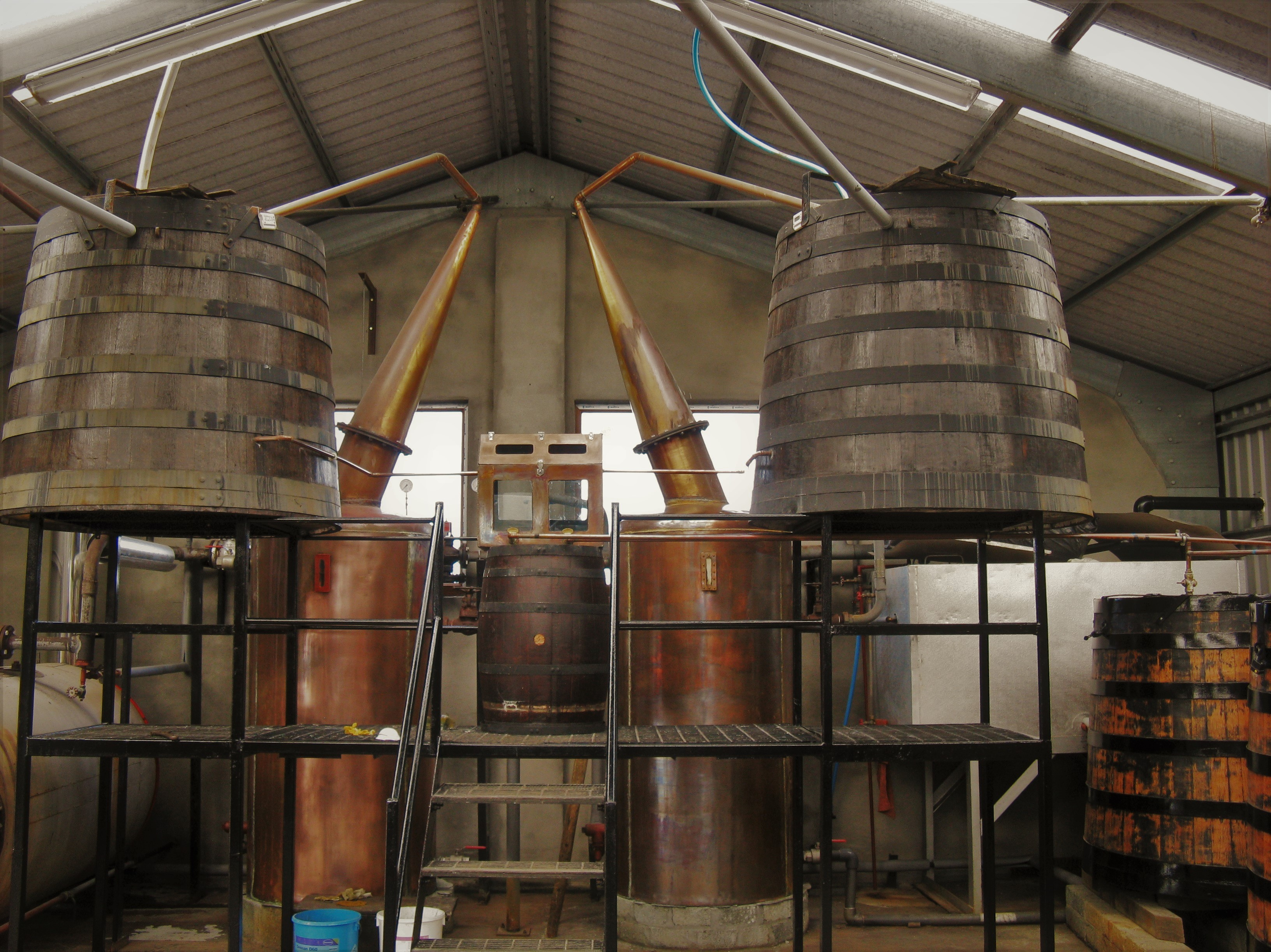 The stills at Abhainn Dearg distillery