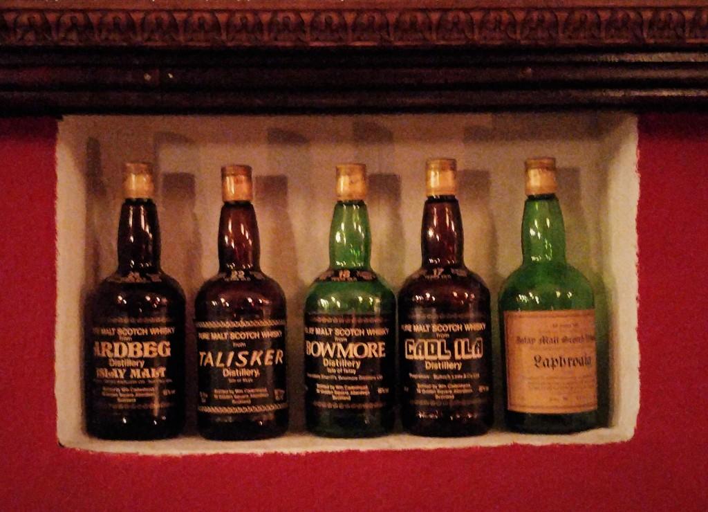 Union Jack Whisky Pub 03